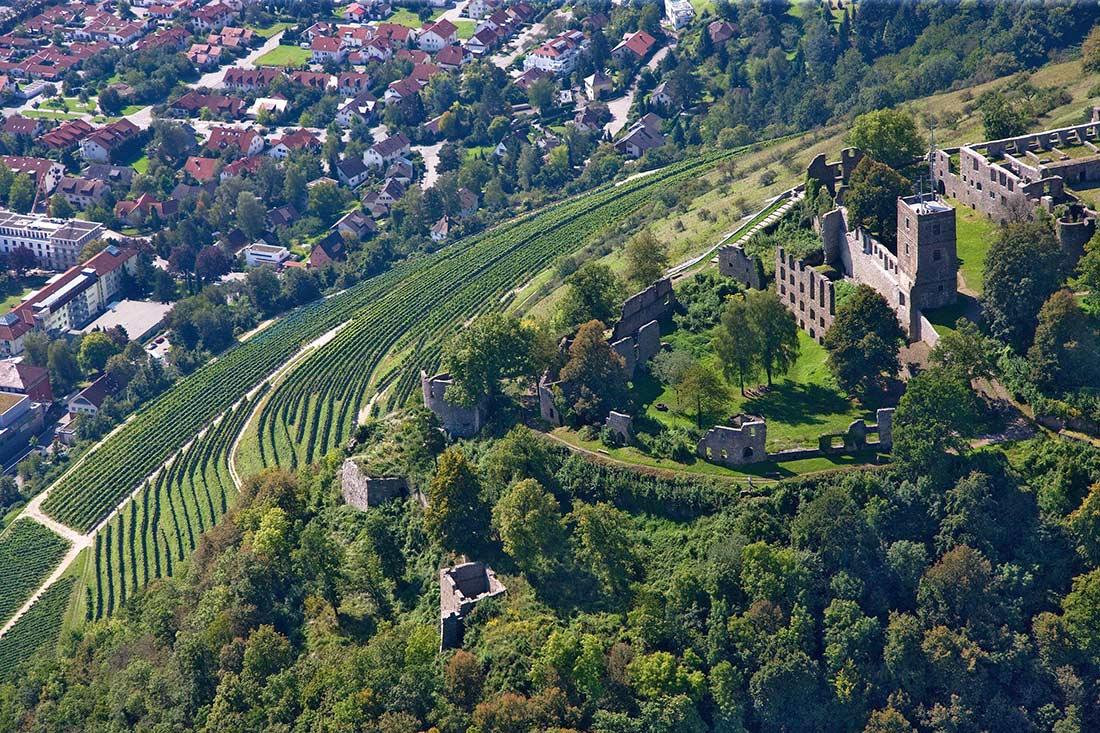 Weitere Luftaufnahme des Hohentwiels am Bodensee