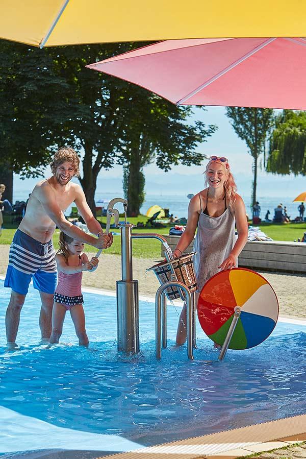 Indoorschwimmbad und Strandbad mit Bodenseezugang