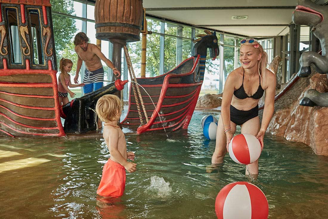 Viele Spiel- und Schwimmmöglichkeiten für die ganz Kleinen